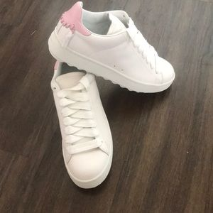 New Coach White/Pink Leather Sneakers - Size 9B